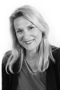 Emmanuelle Ollivier gérante de l'Agence d'hote et hotesse evenementielle Manala basée à Lille (haut-de-france)